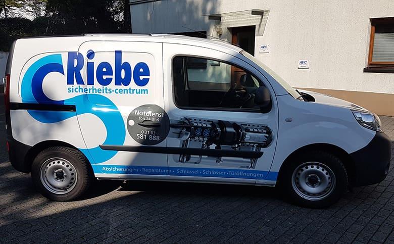 Firmenauto Beschriftung Riebe